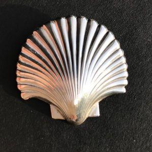 Silver Shell pin